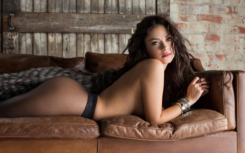 Alexandra Tyler sexy wallpaper 1440x900