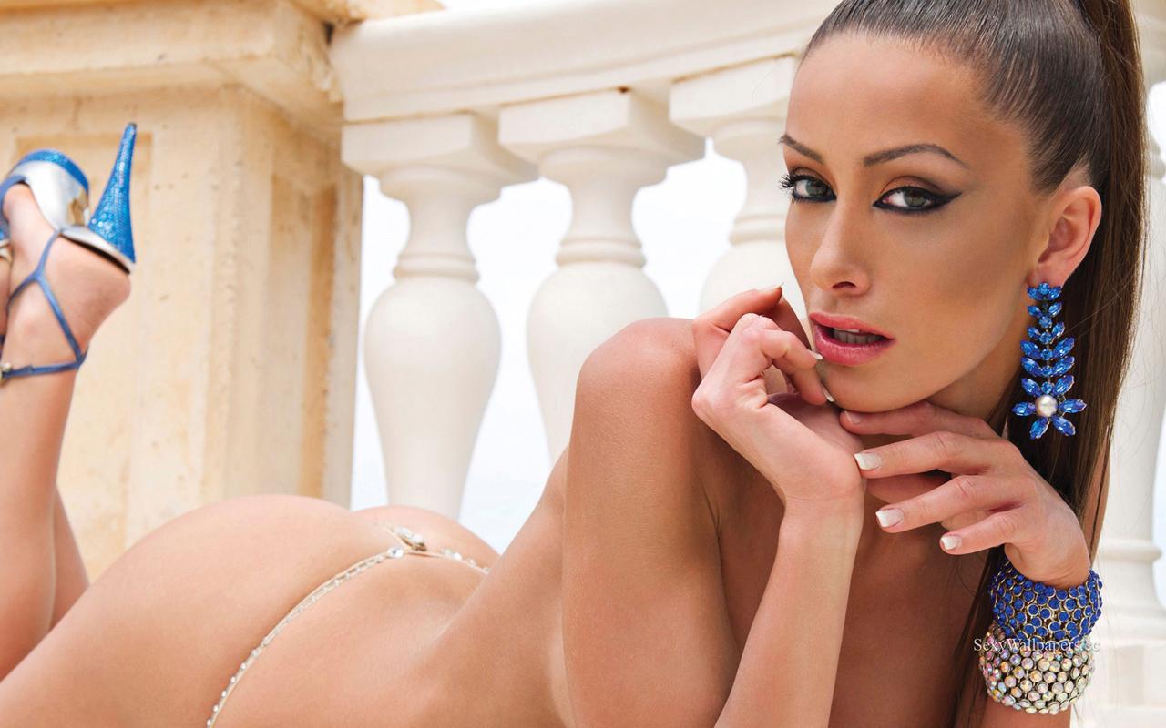 Andreani Tsafou sexy wallpaper 1280x800