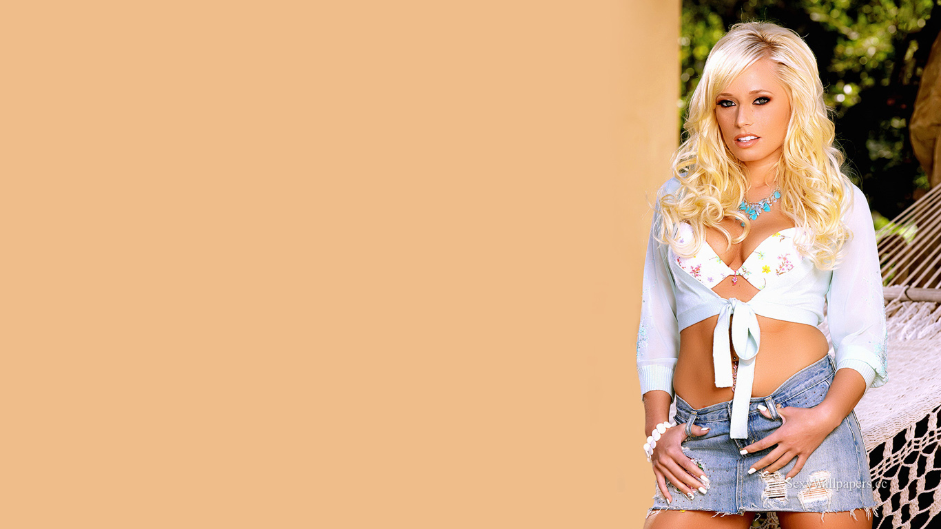 Angelina Ashe sexy wallpaper 1366x768