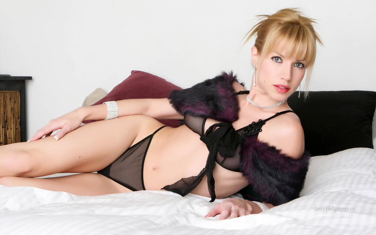 Angie Savage sexy wallpaper 1280x800