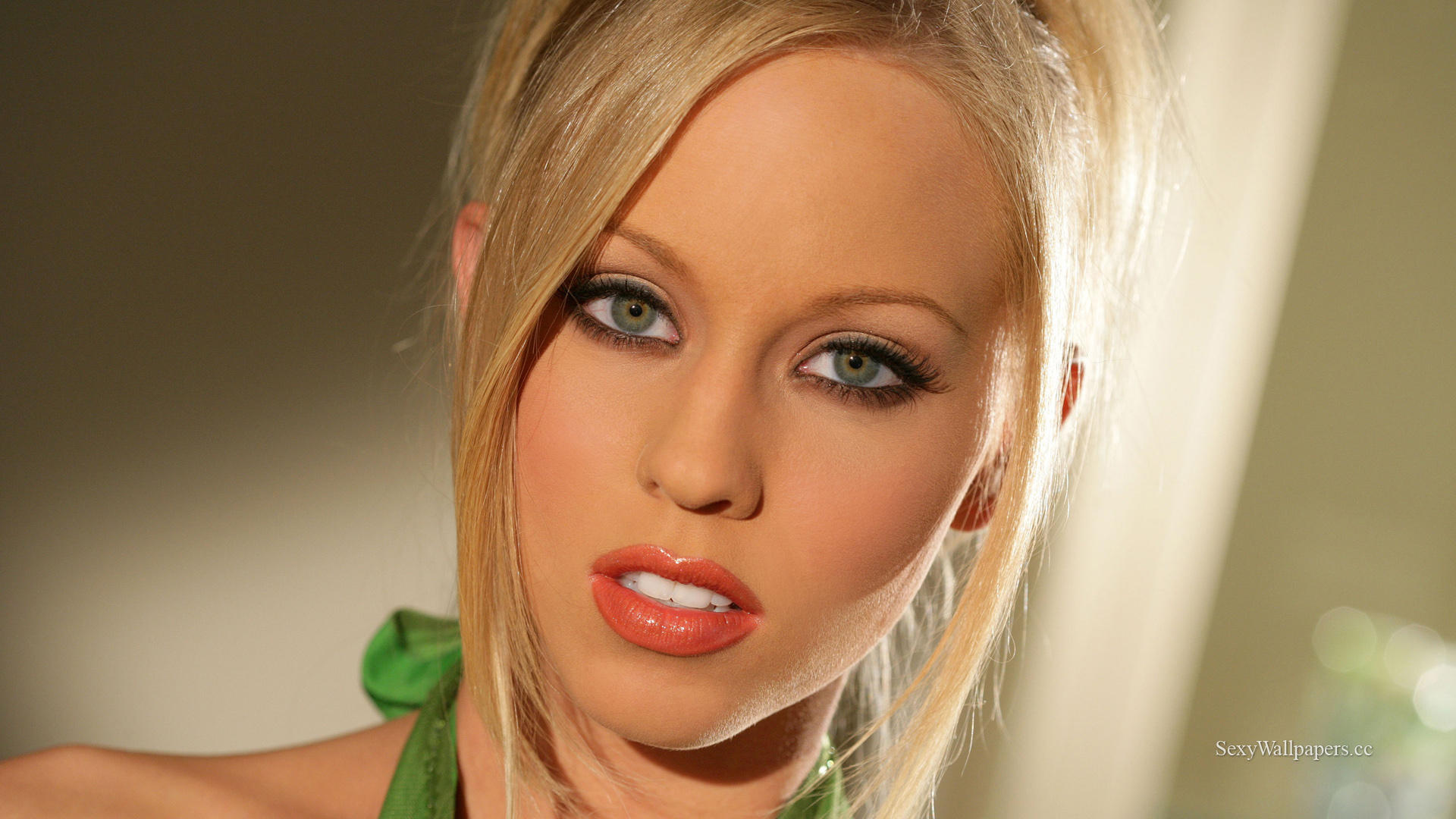 Brea Bennett sexy wallpapers