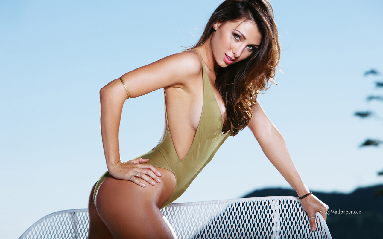 Casey Connelly sexy wallpaper 1280x800