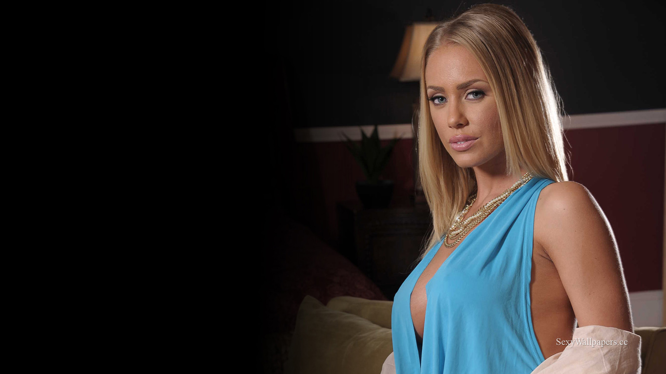 Nicole Aniston sexy wallpaper 1366x768